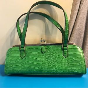 Handbags - Vintage Green faux alligator purse